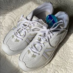 EASY SPIRIT white leather walking shoe sneaker NEW
